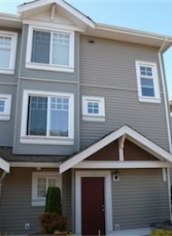 3 Bedroom Townhouse Rental in Central Burnaby at Norfolk Terrace. 401 - 4025 Norfolk Street, Burnaby, BC, Canada.
