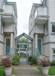 Courtyards  1 Bedroom Unfurnished Apartment For Rent in Fairview. 304 - 629 West 7th Avenue, Vancouver, BC, Canada.