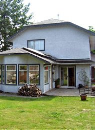 Lower Lonsdale Unfurnished 3 Bedroom House Rental in North Vancouver. 909 Moody Avenue, North Vancouver, BC, Canada.