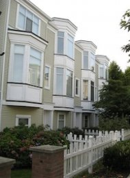 London Mews Unfurnished 2 Bedroom Townhouse For Rent in Richmond. 3 - 6331 No 1 Road, Richmond, BC, Canada.