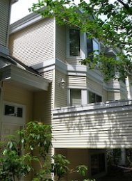 Francisco Lane Unfurnished 3 Bedroom Townhouse For Rent in Burnaby. 73 - 6700 Rumble Street, Burnaby, BC, Canada.