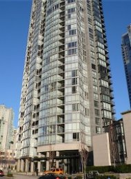 Furnished Luxury 1 Bedroom Apartment For Rent in Yaletown at Azura. 3206 - 1495 Richards Street, Vancouver, BC, Canada.