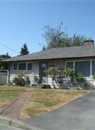 Unfurnished 2 Bedroom House For Rent in North Vancouver. 1554 Hunter Street, North Vancouver, BC, Canada.