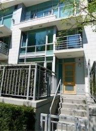 Denia 2 Bedroom Luxury Townhouse For Rent in Coal Harbour Vancouver. 493 Broughton Street, Vancouver, BC, Canada.