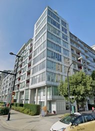 2 Level Unfurnished Live / Work Luxury Townhouse Rental at Pinnacle Living False Creek. 301 West 2nd Avenue, Vancouver, BC, Canada.