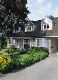 Unfurnished 4 Bedroom House For Rent in Delbrook North Vancouver. 3511 Mahon Avenue, North Vancouver, BC, Canada.