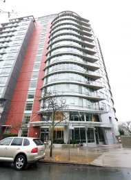 Water View 5th Floor 2 Bedroom Unfurnished Apartment For Rent at Coopers Pointe in Yaletown. 501 - 980 Cooperage Way, Vancouver, BC, Canada.