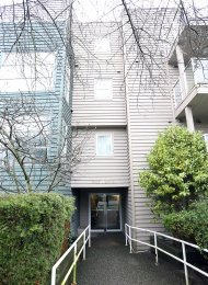 Furnished 2 Bedroom Apartment Rental in Kitsilano on Vancouver's Westside. 401 - 2815 Yew Street, Vancouver, BC, Canada.