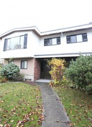 2 Bedroom Garden Suite For Rent in Kensington in East Vancouver. 4565 Inverness Street, Vancouver, BC, Canada.