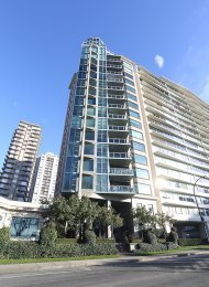 Luxury 2 Bedroom Apartment Rental at The Sylvia in Vancouver's West End. 6 - 1861 Beach Avenue, Vancouver, BC, Canada.