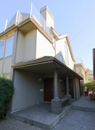 Unfurnished 2 Bedroom Duplex Rental in Kitsilano on Vancouver's Westside. 3274 West 1st Avenue, Vancouver, BC, Canada.