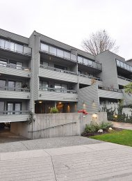 Unfurnished 1 Bed Apartment Rental at Bellevue Gardens in Dundarave, West Vancouver. 408 - 2119 Bellevue Avenue, West Vancouver, BC, Canada.