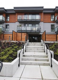 Unfurnished 1 Bedroom Apartment Rental at Cedarhill Manor in Uptown, New Westminster. 210 - 215 Mowat Street, New Westminster, BC, Canada.