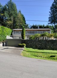 Modern 2 Level 4 Bedroom House Rental With Nanny Suite in Upper Delbrook, North Vancouver. 498 Montroyal Place, North Vancouver, BC, Canada.