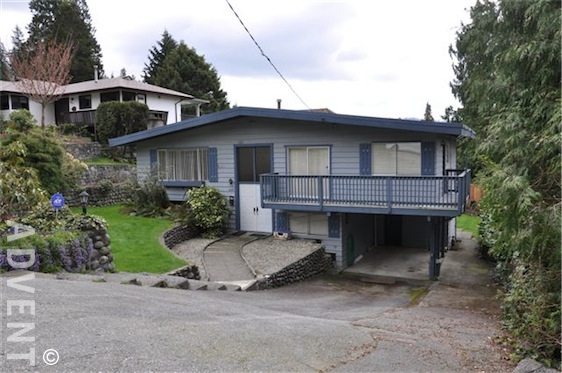 Deep cove house rental 4657 cove cliff rd north vancouver for Deep house 2000