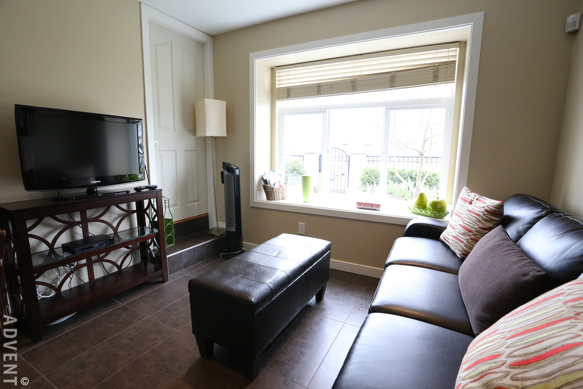 Terrific South Vancouver Furnished Basement Rental 7506A Main St Home Interior And Landscaping Ologienasavecom