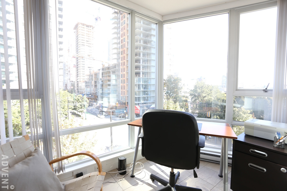 Fully Furnished Luxury 1 Bedroom Apartment Rental At Azura In Yaletown 606