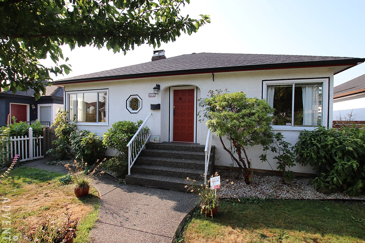 Unfurnished 4 Bedroom House For Rent In East Vancouver. 2812 Adanac Street,  Vancouver,