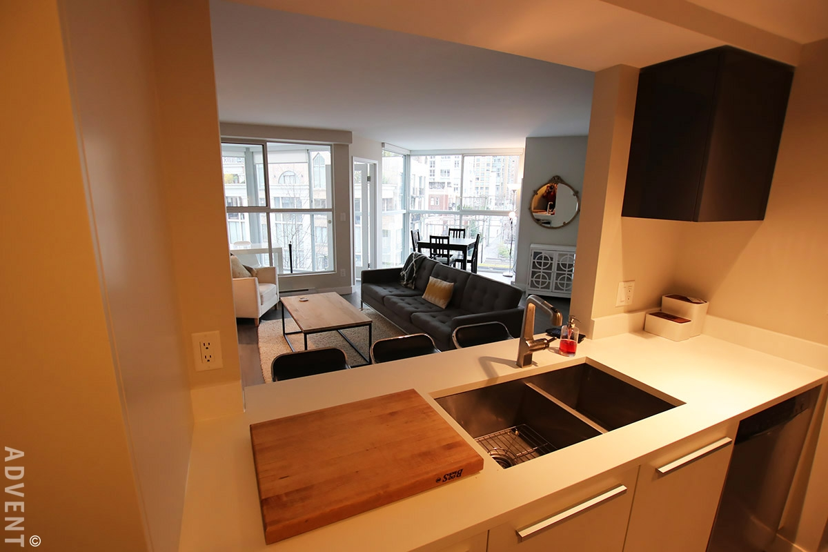 Fully Furnished 2 Bed Apartment Rental at Pacific Point in Downtown  Vancouver. 601 - 1323