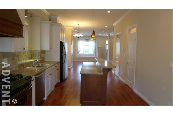 East Vancouver 3 Bedroom Unfurnished Duplex For Rent in Mount Pleasant. 280 East 16th Ave, Vancouver, BC, Canada.