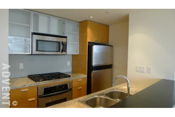 Coopers Lookout 2 Bedroom Apartment Rental With Water Views in Yaletown, Vancouver. 901 - 33 Smithe Street, Vancouver, BC, Canada.