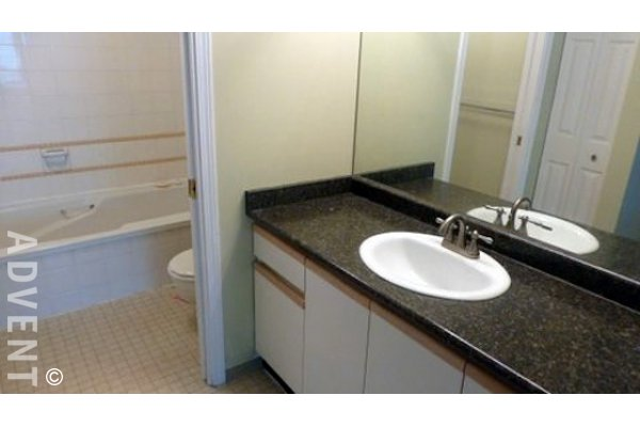 Apartment Rental Richmond Colony Bay 7457 Moffatt Advent