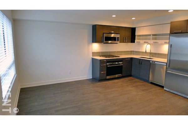 Kits West 1 Bedroom Unfurnished Apartment For Rent in Kitsilano. 301 - 2858 West 4th Avenue, Vancouver, BC, Canada.