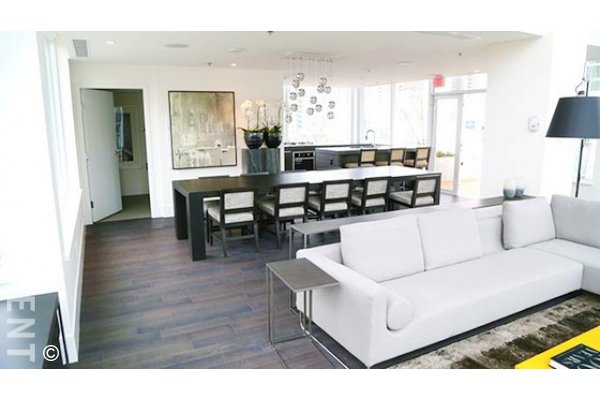 The Maddox 1 Bedroom Apartment Rental in Downtown Vancouver. 602 - 738 Rolston Crescent, Vancouver, BC, Canada.