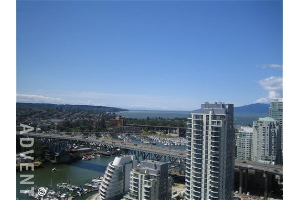 Park West 2 Bedroom Luxury Unfurnished Apartment For Rent in Yaletown. 3105 - 455 Beach Crescent, Vancouver, BC, Canada.