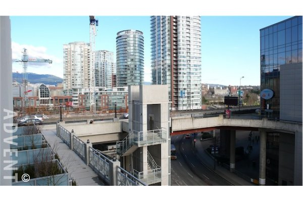 Spectrum 1 Bedroom Townhouse Rental in Downtown Vancouver. 121 Regiment Square, Vancouver, BC, Canada.
