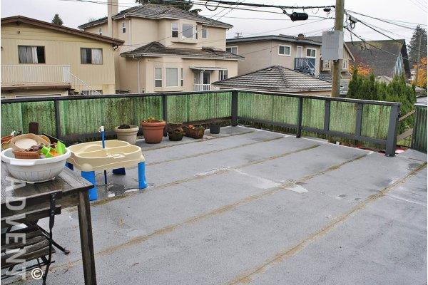 Unfurnished 3 Bedroom Half Duplex For Rent in Marpole, Westside Vancouver. 819 West 68th Avenue, Vancouver, BC, Canada.