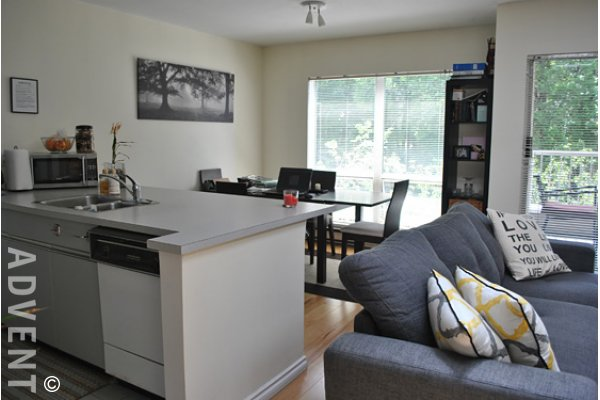 Monte Carlo 1 Bedroom Unfurnished Apartment For Rent in Fairview, Westside Vancouver. 401 - 985 West 10th Avenue, Vancouver, BC, Canada.