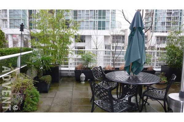 Aquarius Mews Luxury Furnished Townhouse Rental in Yaletown Vancouver. 303 - 198 Aquarius Mews, Vancouver, BC, Canada.