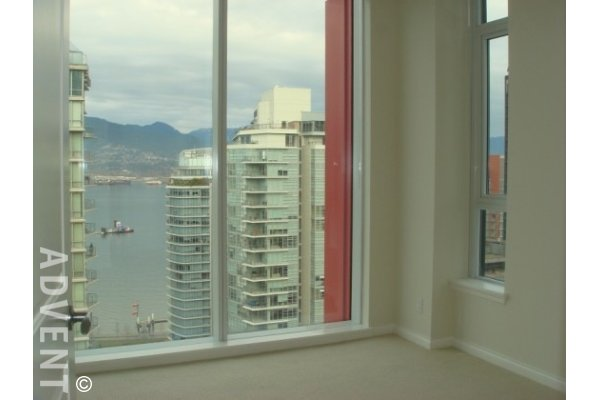 The Ritz Luxury 3 Bedroom Apartment Rental in Coal Harbour Vancouver. 2404 - 1211 Melville Street, Vancouver, BC, Canada.