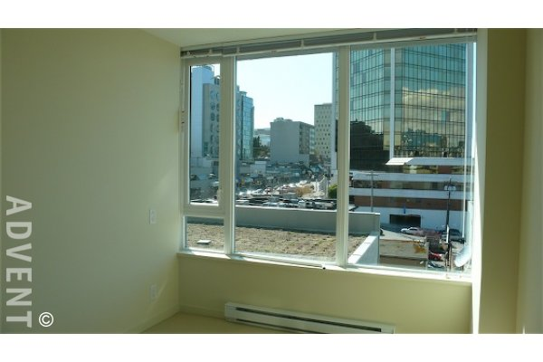 Crossroads Luxury Unfurnished 2 Bedroom Apartment Rental in Fairview. 509 - 522 West 8th Avenue, Vancouver, BC, Canada.