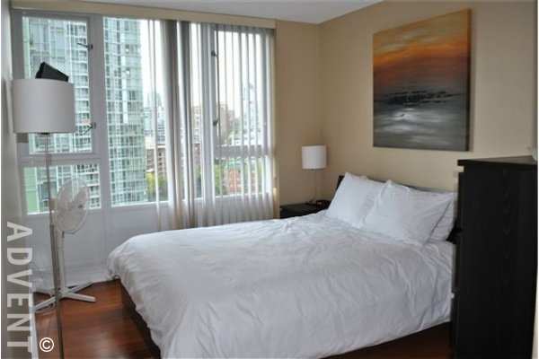 Quaywest Luxury Unfurnished Apartment For Rent in Yaletown Vancouver. 1605 - 1067 Marinaside Crescent, Vancouver, BC, Canada.