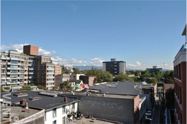 Ginger Modern 7th Floor 1 Bedroom Unfurnished Apartment For Rent in Chinatown, Vancouver. 711 - 718 Main Street, Vancouver, BC, Canada.