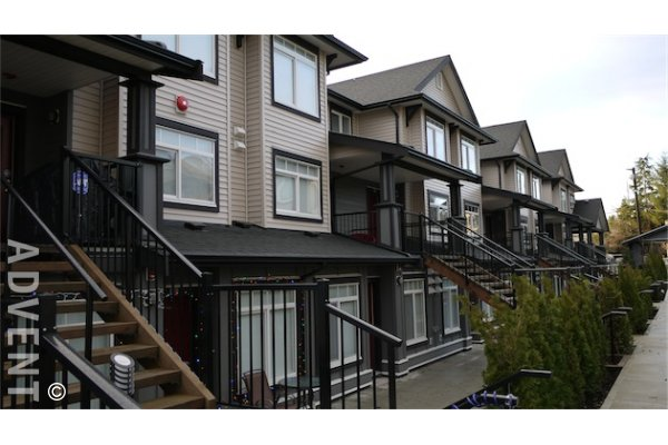 2 Bedroom Townhouse For Rent in Edmonds Burnaby at Kingsgate Gardens. 72 - 7428 14th Avenue, Burnaby, BC, Canada.
