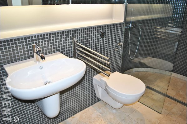 Jameson House Luxury 15th Floor 1 Bedroom Apartment Rental in Coal Harbour, Vancouver. 1507 - 838 West Hastings Street, Vancouver, BC, Canada.