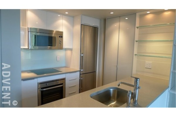 1 bedroom apartment rental the pointe 1331 west 1 bedroom chicago apartment for rent rentals chicago il