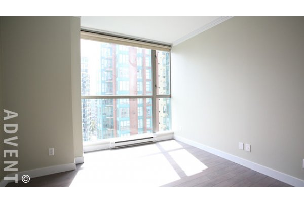 City View 1 Bedroom & Den Unfurnished Apartment Rental at Savoy in Yaletown. 2204 - 928 Richards Street, Vancouver, BC, Canada.