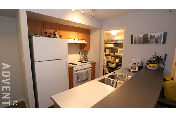Modern 7th Floor 1 Bedroom Unfurnished Apartment For Rent at The Oscar in Yaletown. 707 - 1295 Richards Street, Vancouver, BC, Canada.