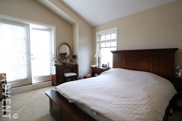 Unfurnished 3 Bedroom Townhouse For Rent in Fairview, Westside Vancouver. 837 West 14th Avenue, Vancouver, BC, Canada.