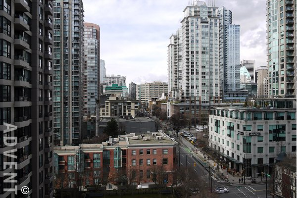 Fully Furnished Studio For Rent at Yaletown Park in Vancouver. 1208 - 909 Mainland Street, Vancouver, BC, Canada.