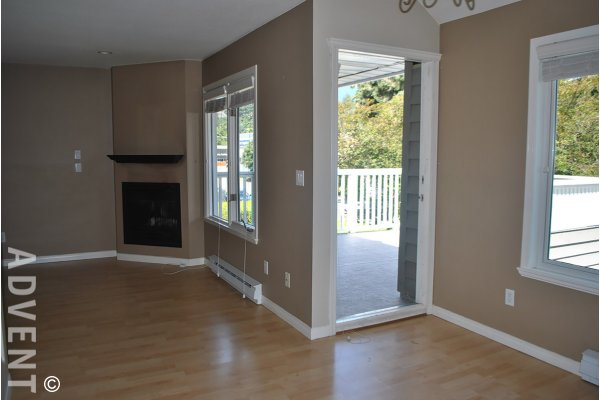 Lllahee Townhouse Rental 203 1513 Bowser Ave North Vancouver Advent