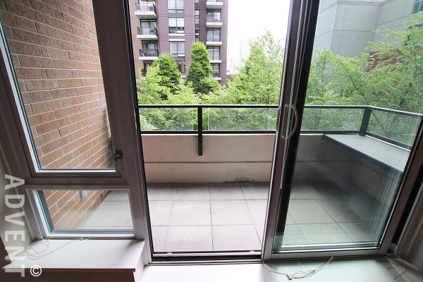 Luxury 3rd Floor 2 Bedroom & Solarium Unfurnished Apartment Rental at Richards in Yaletown. 317 - 1088 Richards Street, Vancouver, BC, Canada.