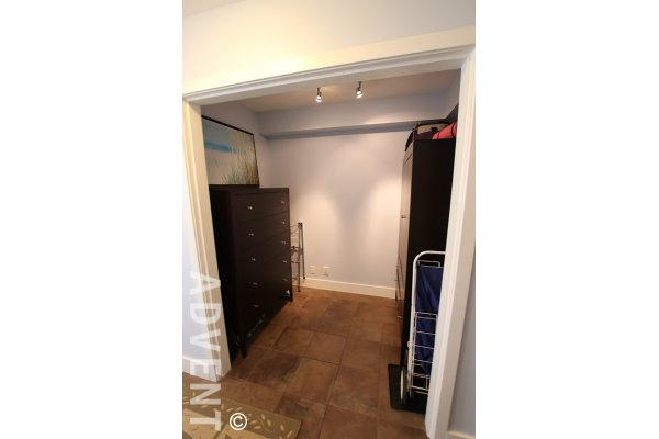 1 Bedroom Unfurnished Apartment For Rent at The Gallery in Yaletown. 608 - 1010 Richards Street, Vancouver, BC, Canada.