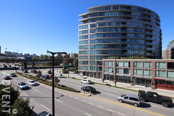 2 Bedroom & Flex Apartment Rental at Montreux in Westside Vancouver. 302 - 2055 Yukon Street, Vancouver, BC, Canada.