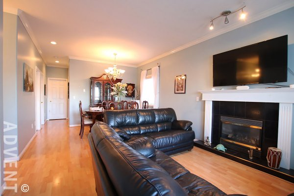Unfurnished 3 Bedroom House Rental (Upper Level) in Central Burnaby. 4958 Norfolk Street, Burnaby, BC, Canada.