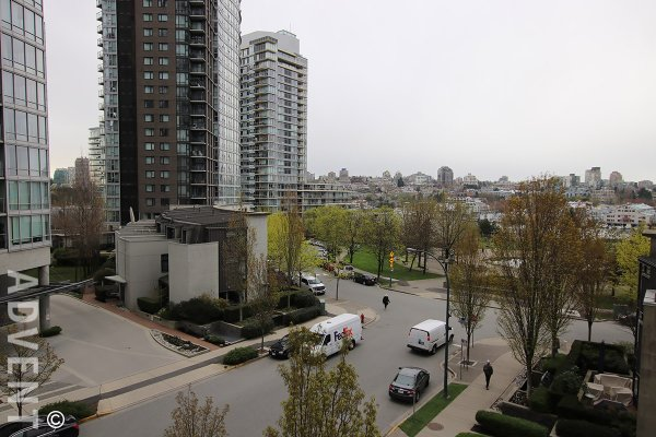 Modern, Spacious 5th Floor 1 Bedroom & Den Apartment Rental at Azura in Yaletown. 505 - 1495 Richards Street, Vancouver, BC, Canada.